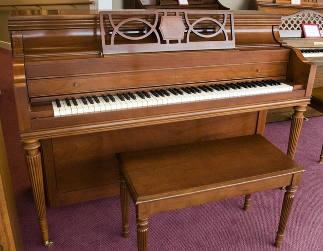 1961 Everett Console Piano - Upright - Console Pianos