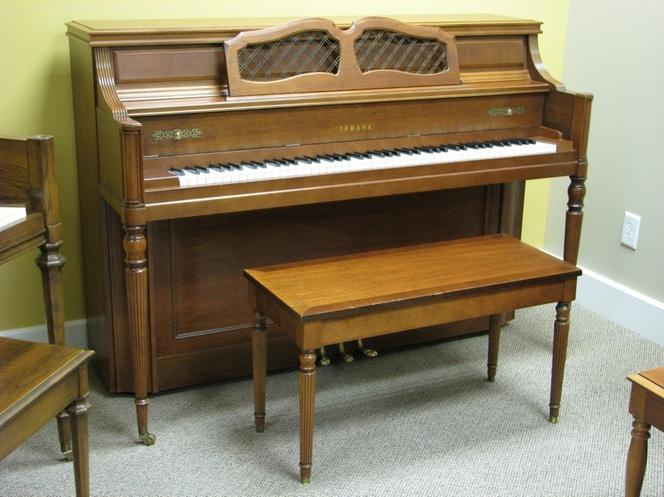 1984 yamaha m23 console piano grand pianos mid america piano - Yamaha console piano models ...