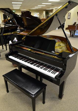 1994 yamaha g2 baby grand piano for Yamaha grand piano sizes