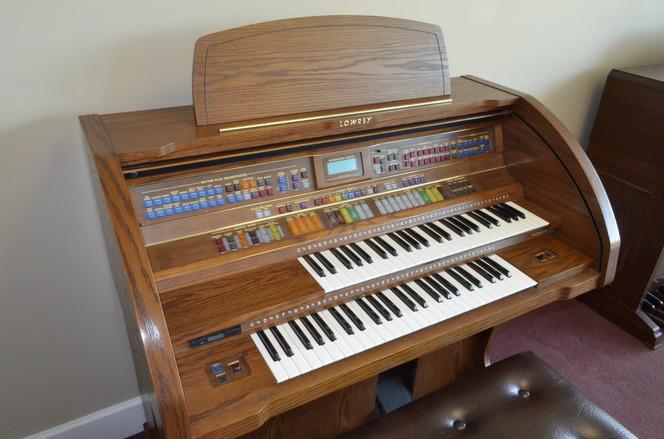 lowrey premier organ