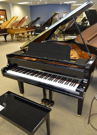 2003 yamaha gc1 grand piano