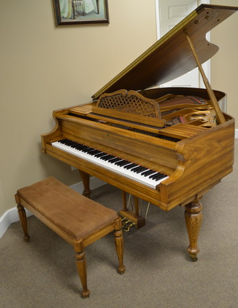 1982 Kimball Baby Grand Piano Oak Grand Piano