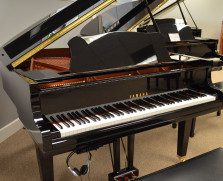 Yamaha GC1 SILENT baby grand