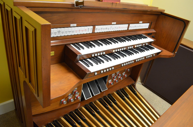 Model 805 Rodgers Organ For Sale | Used Church Organs