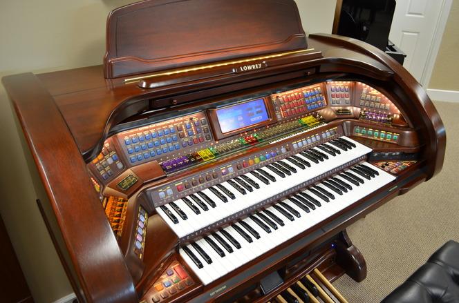 Lowrey A6000 Imperial Organ