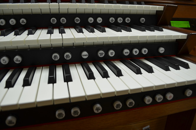 2011 Rodgers Allegiant 688 3 manual organ